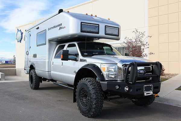 EarthRoamer RV for Sale http://www.expeditionportal.com/forum/threads/19930-Big-custom-camper-sightings/page24